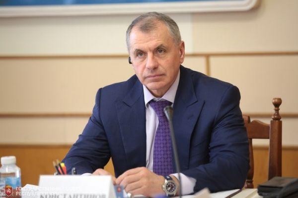 Владимир Константинов встретился с Молодёжным парламентом Республики Крым
