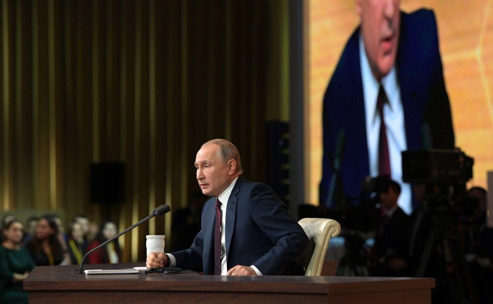 Крым вошел в перечень регионов с наибольшим уровнем доверия к президенту