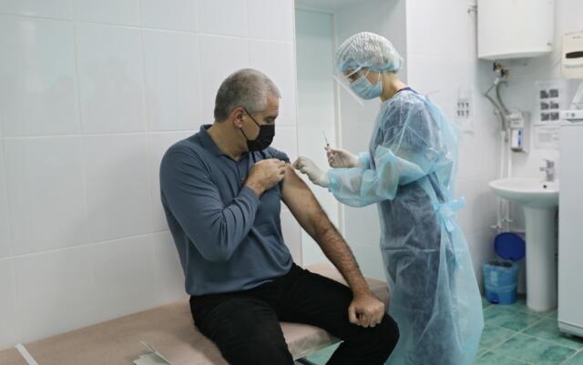 Глава Крыма рассказал, как чувствует себя после вакцинации