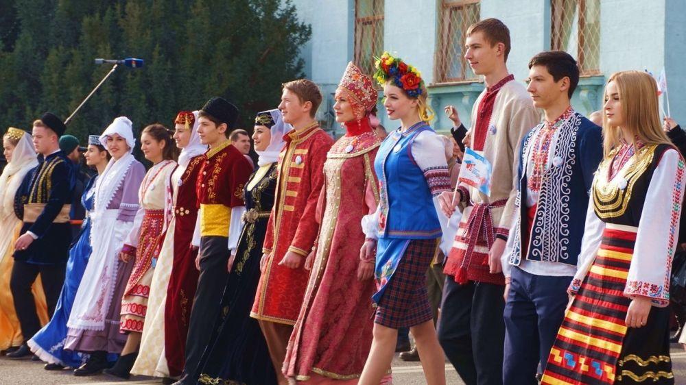 Госкомнац РК: 96 % крымчан отметили, что межнациональные и межконфессиональные отношения в республике оцениваются как доброжелательные