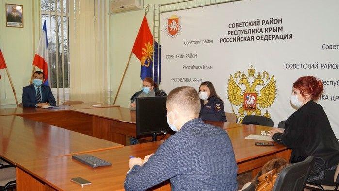 В администрации Советского района состоялось очередное заседание оперативного штаба по вопросу предупреждения распространения новой коронавирусной инфекции (2019 – nCoV)