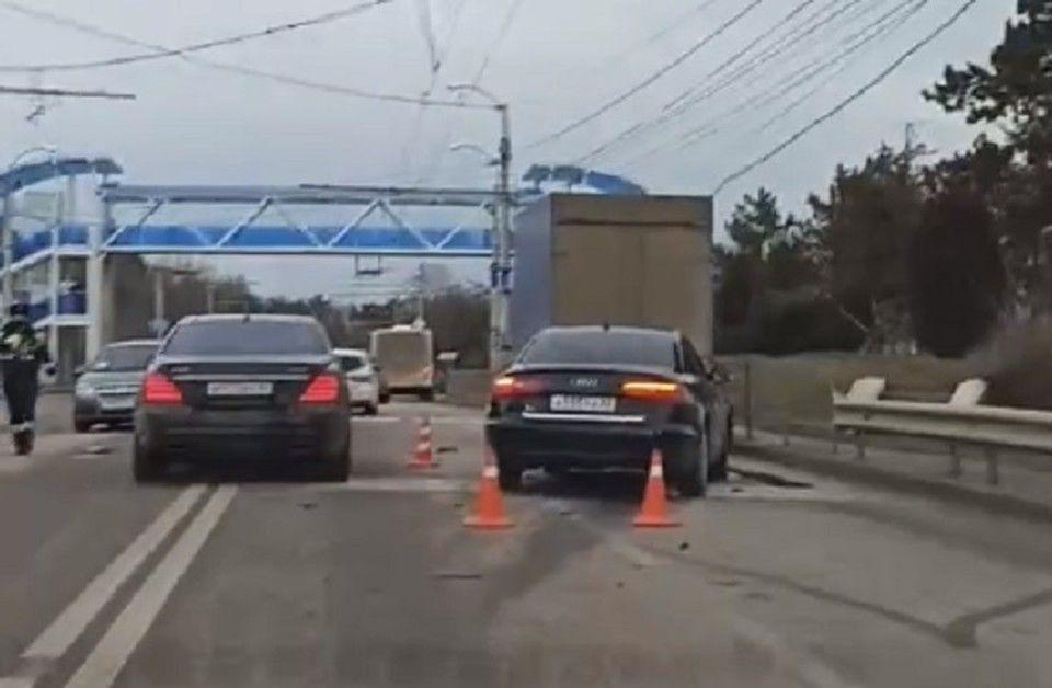 Под Симферополем две машины отбросило на десятки метров из-за столкновения