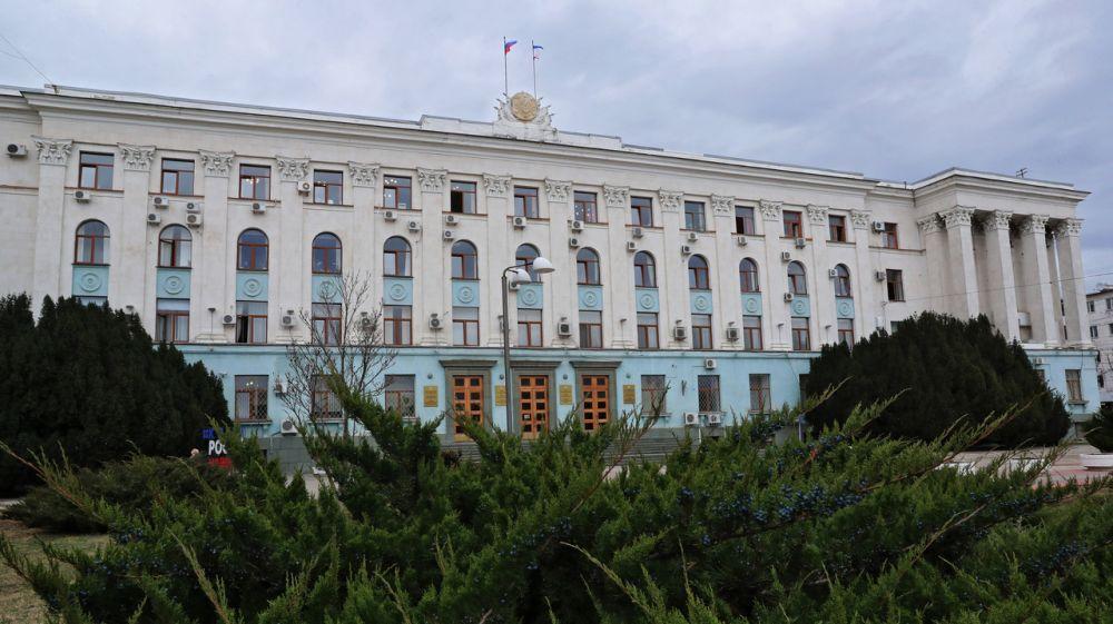Сергей Аксёнов: С 1 февраля начинается прием заявок от организаций и индивидуальных предпринимателей, пострадавших от коронавируса, на получение региональной субсидии