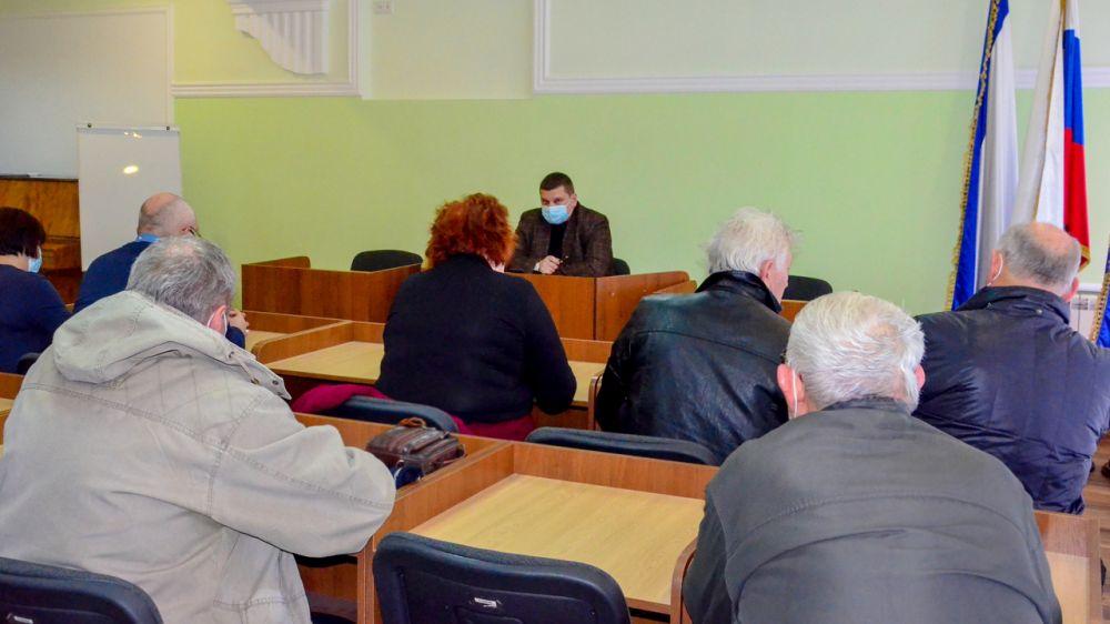 Глава администрации Роман Тихончук встретился с жителями поселков Мирный и Новоозерное