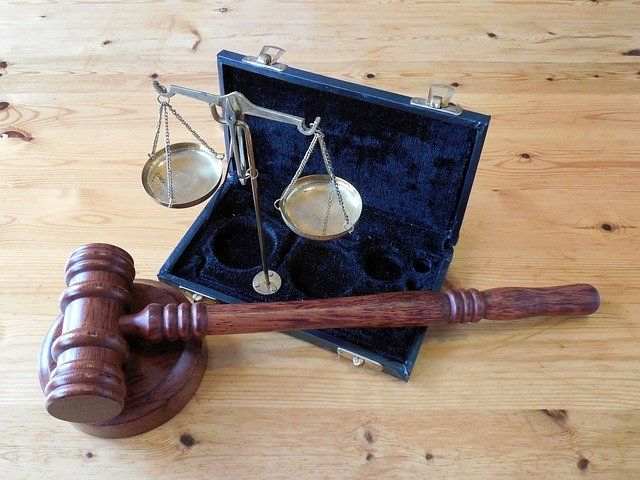 Пытавшуюся оправдать преступника крымчанку привлекли к уголовной ответственности