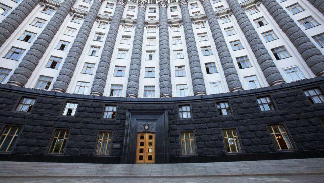 Эксперт прогнозирует отставку Кабмина Украины и новую коалицию в Раде
