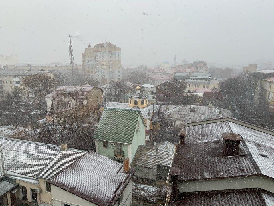 Дождь, снегопад и град: Что происходит с погодой в Крыму