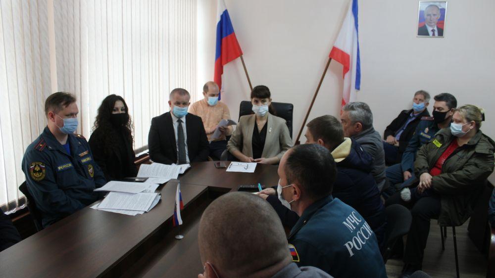 Екатерина Юровских провела внеочередное заседание комиссии Администрации Ленинского района по предупреждению и ликвидации чрезвычайных ситуаций и обеспечению пожарной безопасности