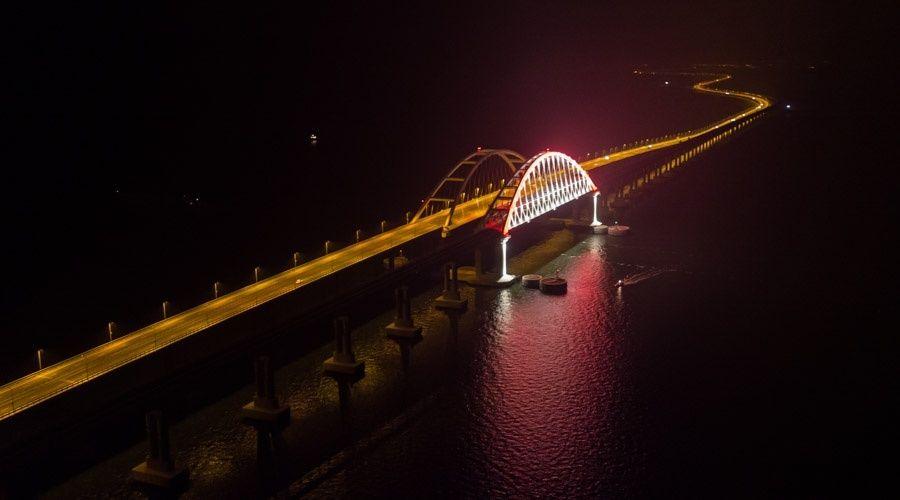 Тендер на дооборудование подсветки Крымского моста приостановили из-за жалобы из Москвы