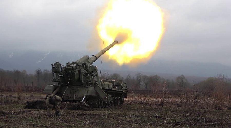 Минобороны показало стрельбы артиллеристов и ракетчиков на Юге России