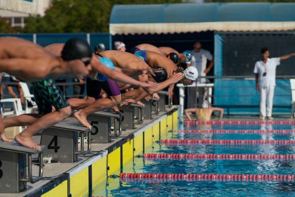 В Евпатории прошли чемпионат и первенство Республики Крым по плаванию