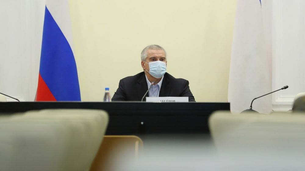 Сергей Аксёнов: Правительство Крыма примет исчерпывающие меры по кадровому обеспечению медучреждений республики