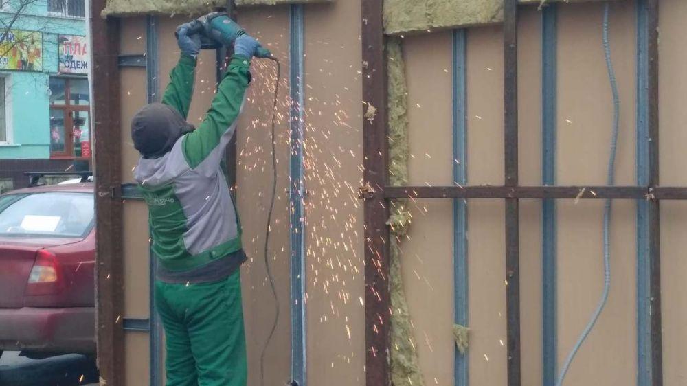 В Керчи демонтируют незаконные объекты
