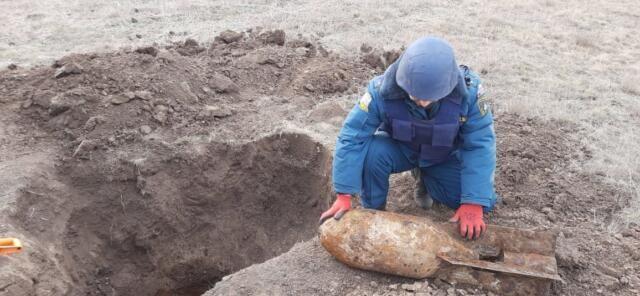 В Крыму обезвредили авиационную бомбу весом 100 килограммов