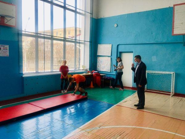 Игорь Аржанцев поздравил учащихся с Днем защитника Отечества