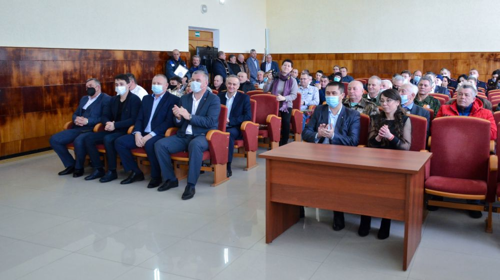 В администрации Черноморского района чествовали защитников Отечества