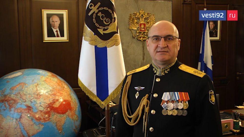 Командующий Черноморским флотом поздравил севастопольцев с Днём защитника Отечества