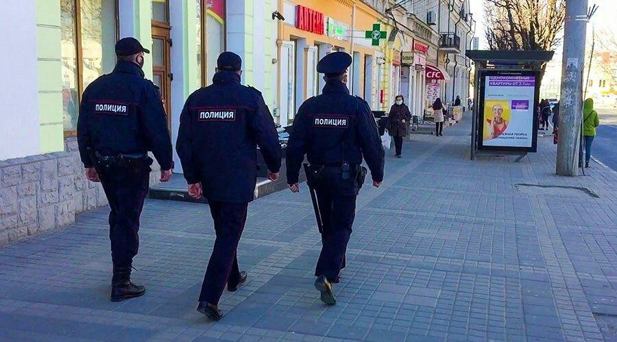 Вернувшихся из Великобритании крымчан отправили на изоляцию, полиция контролирует