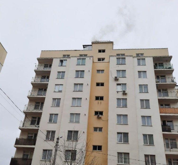В Севастополе спасатели ликвидировали возгорание мусоропровода в жилом доме
