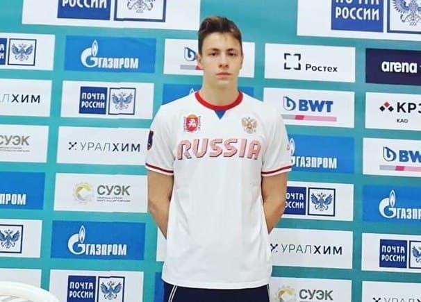 Крымский пловец выиграл серебряную медаль в Волгограде