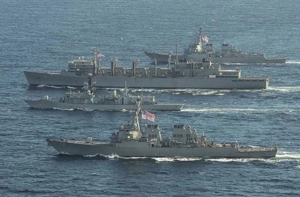 В Черное море вошли корабли особого назначения НАТО