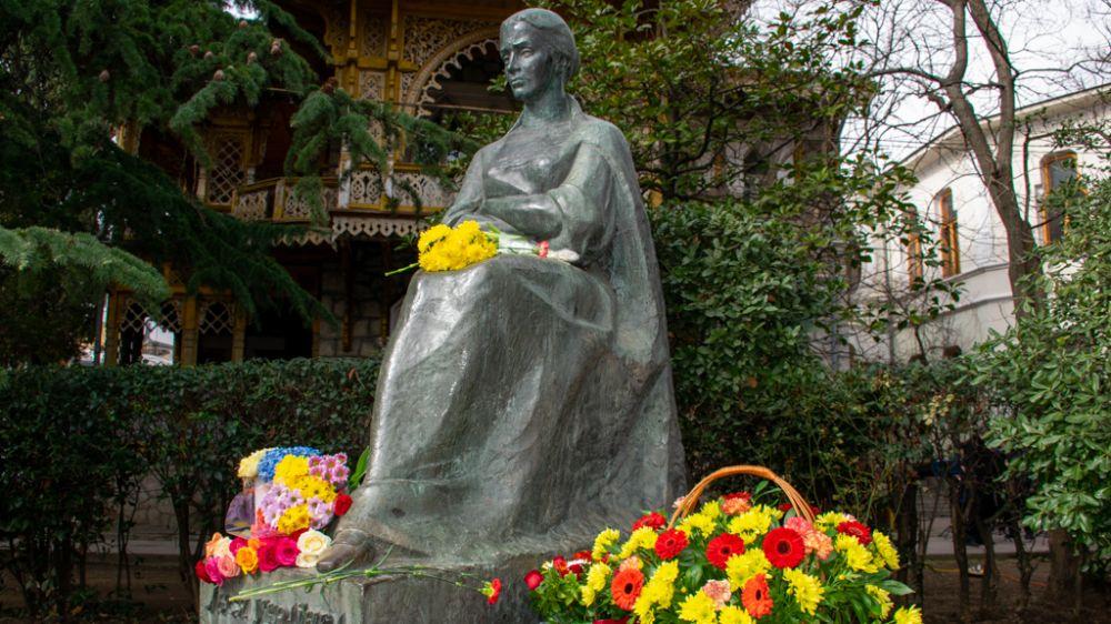 В Ялте отметили 150-летие со дня рождения Леси Украинки