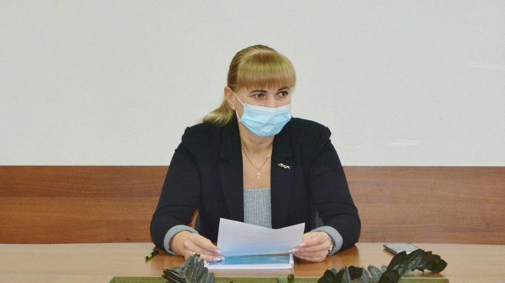 Елена Крестьянинова провела заседание комиссии по распоряжению муниципальным имуществом
