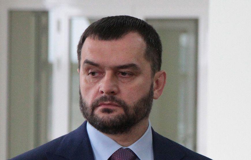 Совбез Украины ввел санкции против бывшего главы МВД Захарченко и еще девяти офицеров