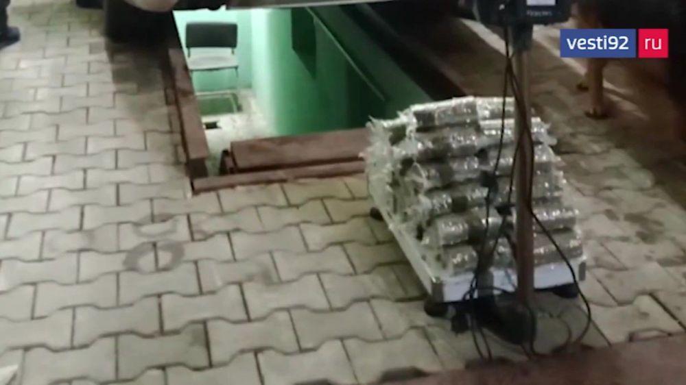 Украинец пытался провезти в Крым 20 килограммов марихуаны в топливном баке авто