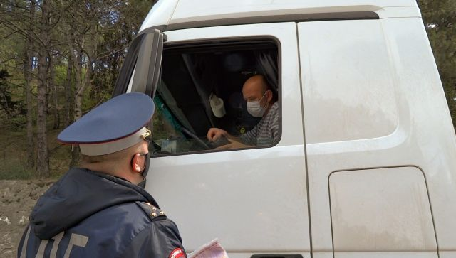По дороге на металлолом: в Крыму раскрыли кражу авто без двигателя