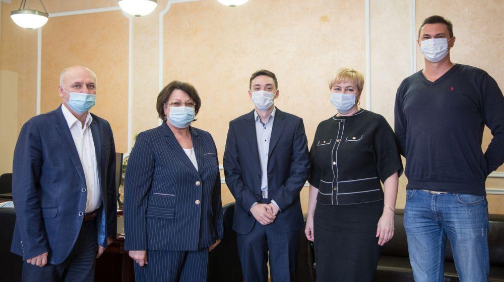 Елена Романовская провела встречу с членами Молодежного правительства Республики Крым по направлению труда и социальной защиты