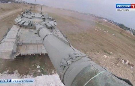 Танкисты армейского корпуса ЧФ прорвали оборону условного противника
