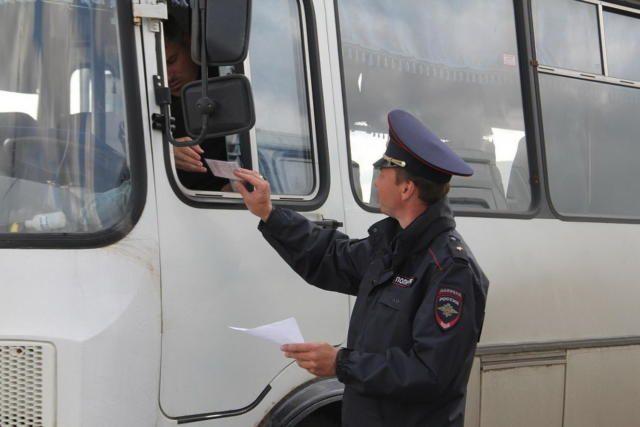 В Евпатории сотрудники ГИБДД остановили эвакуатор с украденным кузовом