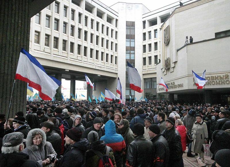 Хроника Крымской весны. 26 февраля: первые и последние столкновения – конец украинской власти