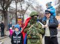 """Спасибо Вам, """"Вежливые люди"""": благодаря им в Крыму и Севастополе был сохранен мир и порядок"""