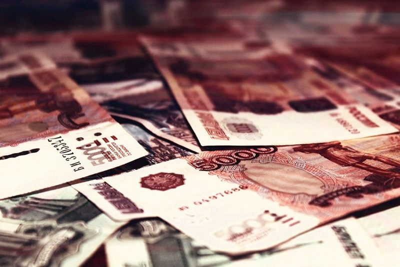 За сутки трое севастопольцев перечислили мошенникам более 200 тысяч рублей
