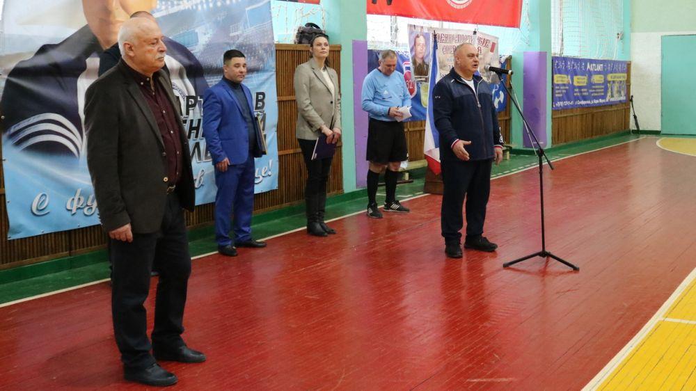 В районе прошел VII районный турнир по футболу среди ветеранов на призы Почетного гражданина Красногвардейского района Наримана Палабуюка
