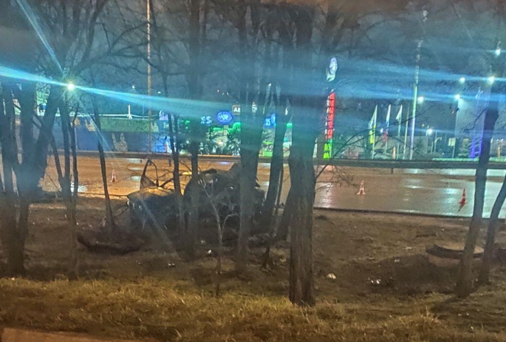 Девушка погибла в горящем автомобиле в Симферополе