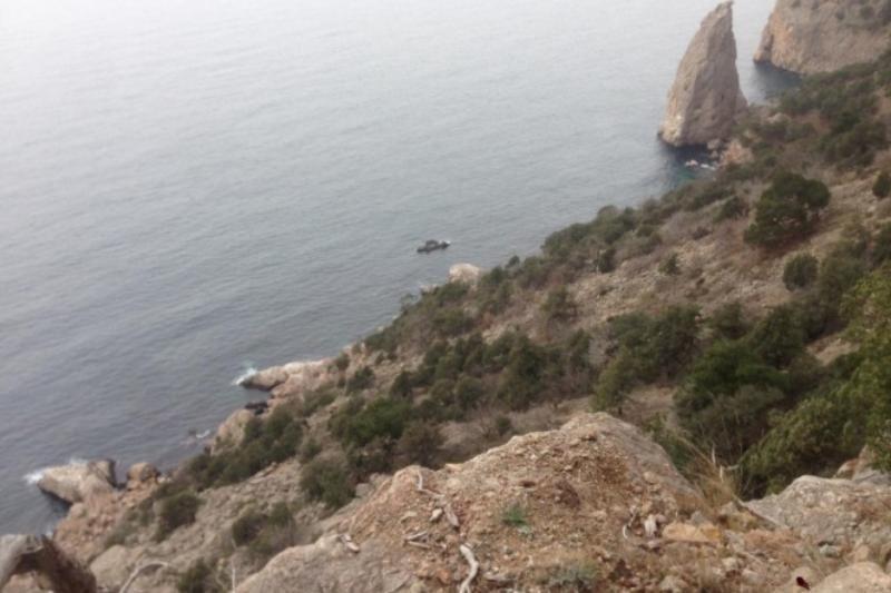 Ночью севастопольские спасатели эвакуировали заблудившегося в горах туриста