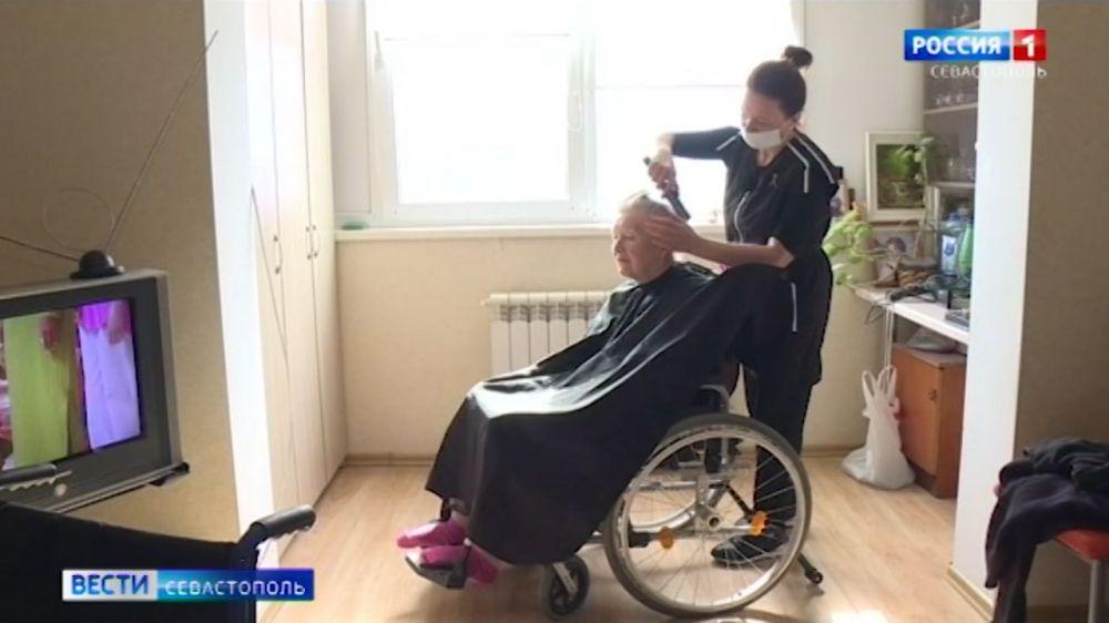 В Севастополе планируют возобновить выезды социальных парикмахерских в сёла
