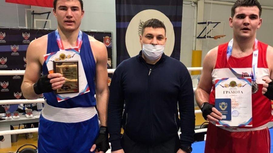 У сборной Крыма – 12 наград на первенстве ЮФО по боксу