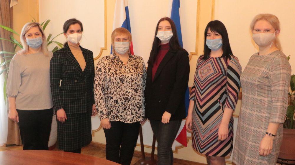 В Минфине Крыма состоялась рабочая встреча с членами Молодежного правительства Республики Крым