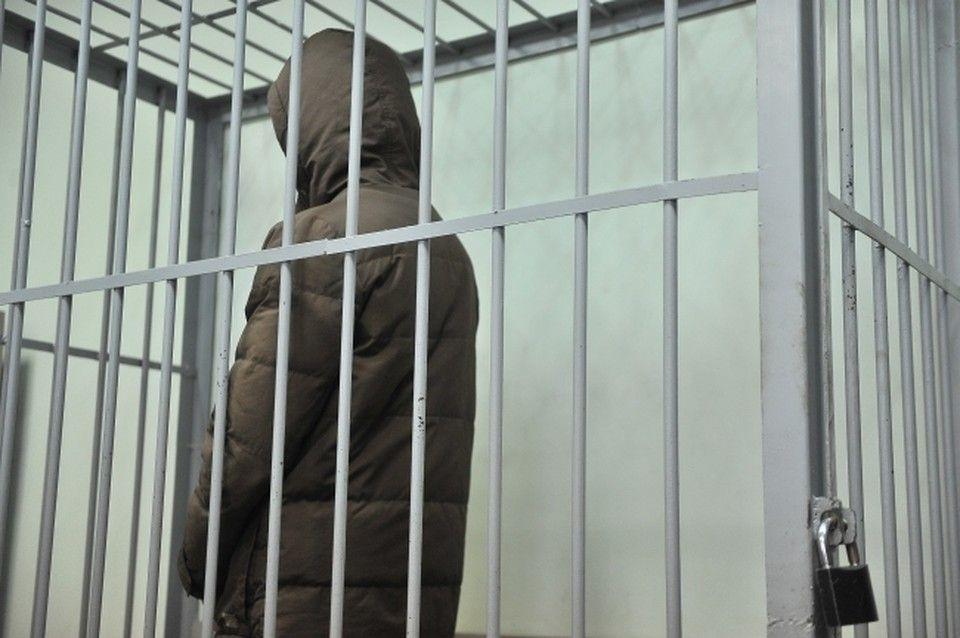 В Симферополе двое полицейских получили срок за покровительство массажного салона