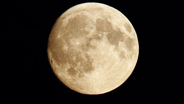 Миллиардер из Японии ищет компанию для путешествия на Луну