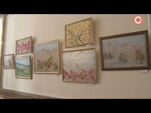 В Севастополе открылась выставка художника-батикиста (СЮЖЕТ)