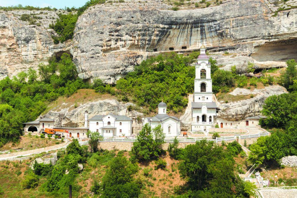 Минкульт не возражает против передачи монастырю в Бахчисарае объектов культурного наследия
