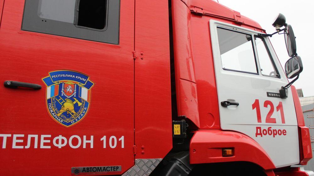 В Симферопольском районе сотрудники ГКУ РК «Пожарная охрана Республики Крым» ликвидировали возгорание сухой растительности