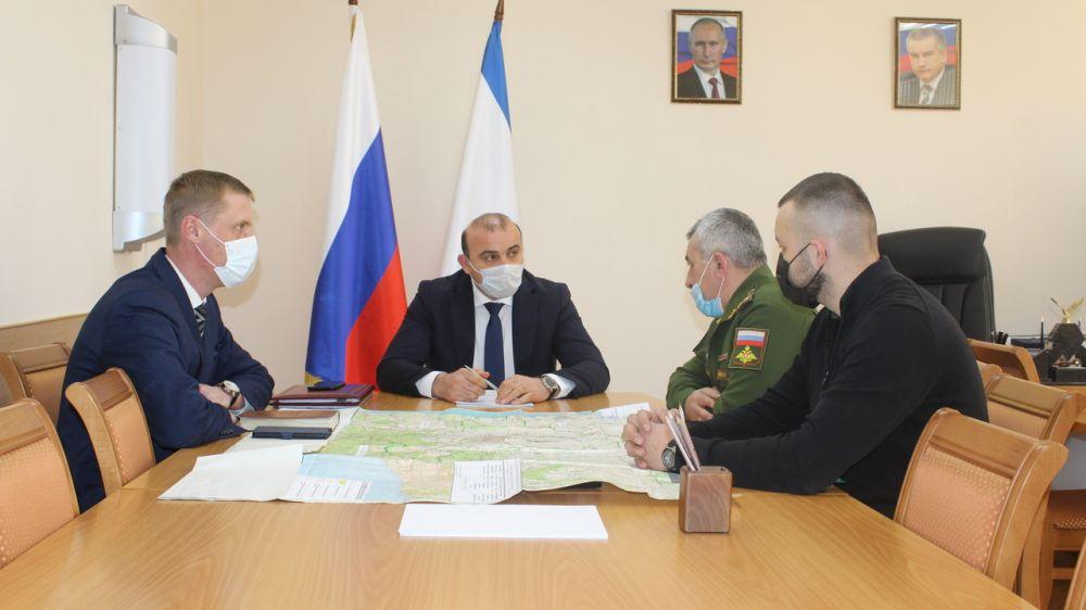 Дионис Алексанов провел рабочую встречу с военным комиссаром Симферопольского района и г.Алушта Константином Качаровым