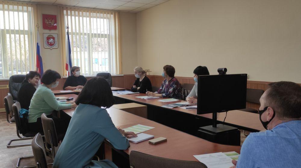Елена Орлова провела заседание межведомственной комиссии по оказанию государственной социальной помощи на основании социального контракта в Бахчисарайском районе