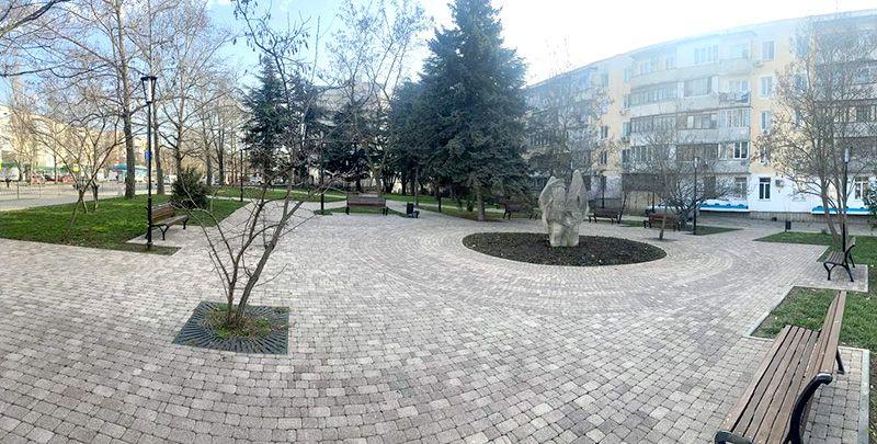 Чего-то не хватает: севастопольцы об одном из скверов Ленинского района